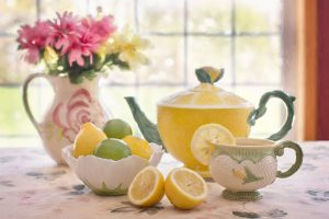tea with lemons